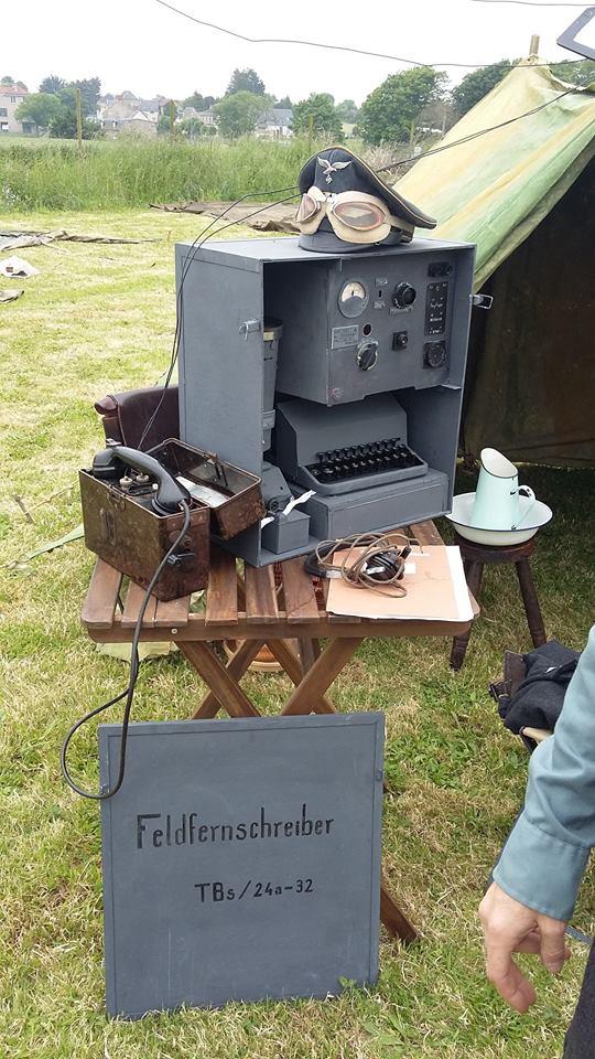 Réalisation de machines de télétransmission . Making a signal corp machinery .Realisierung von Maschinen von Nachrichtentruppe  13315610
