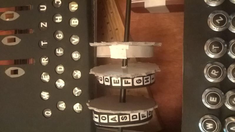 Réalisation de machines de télétransmission . Making a signal corp machinery .Realisierung von Maschinen von Nachrichtentruppe  Wp_20121