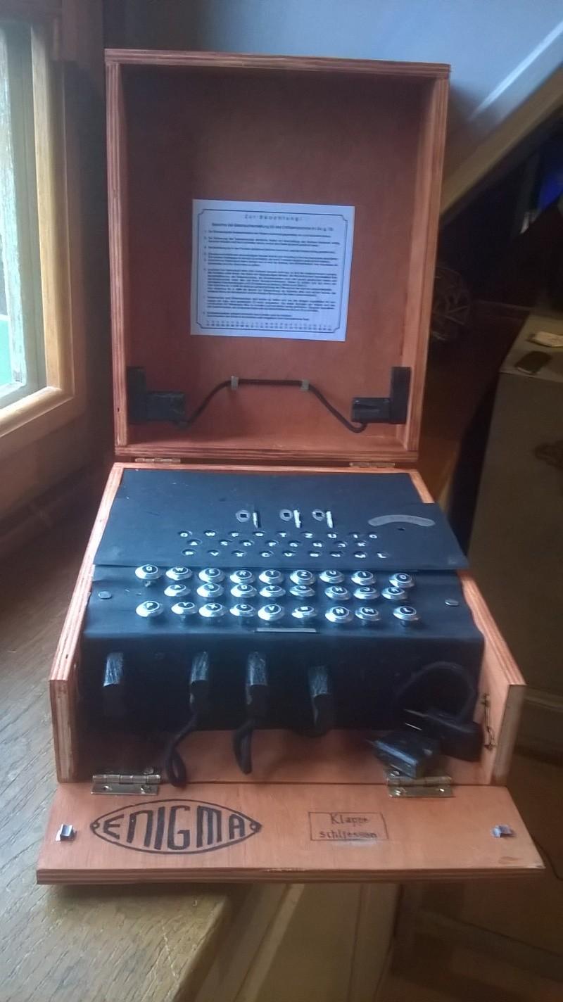 Réalisation de machines de télétransmission . Making a signal corp machinery .Realisierung von Maschinen von Nachrichtentruppe  Wp_20122