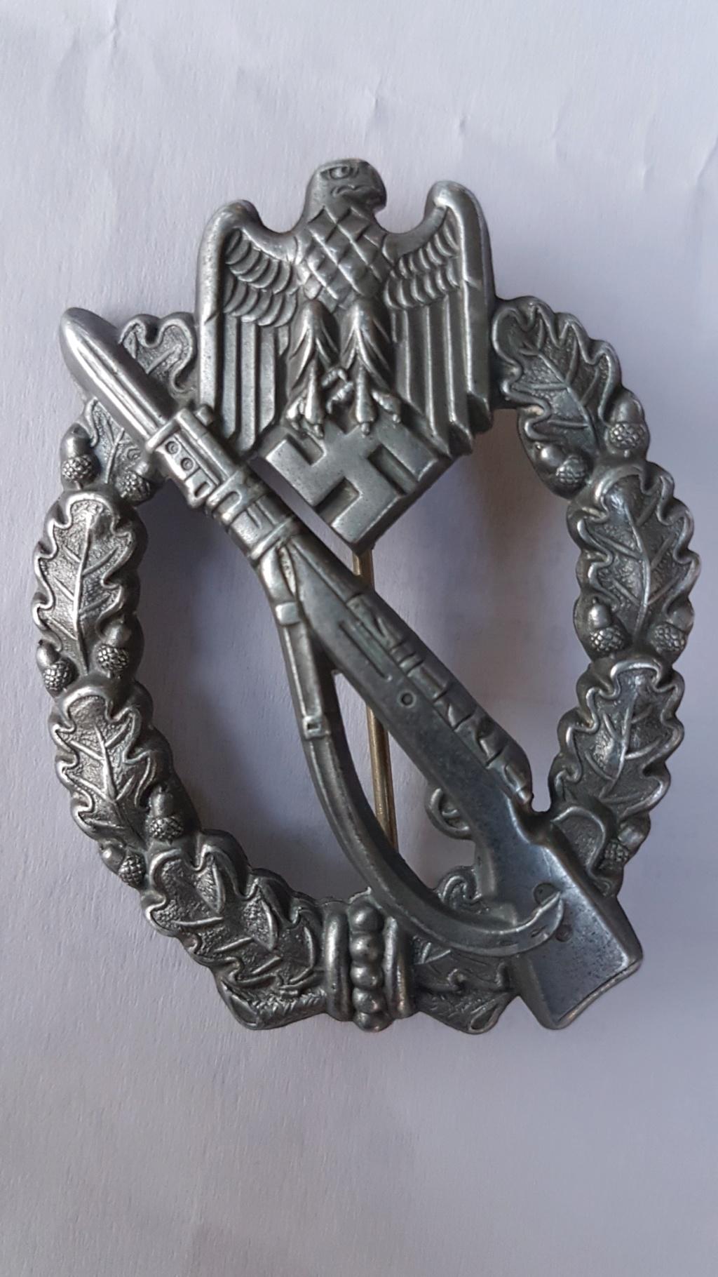 Identification fabricant Badge d'Assaut Infanterie 20180810