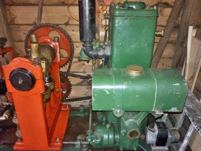 Newbies  1928 Lister Engine10