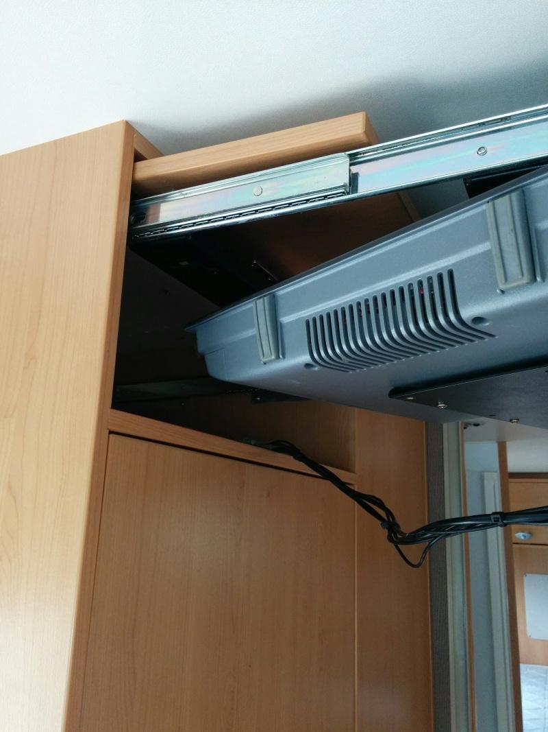 Je recherche une nouvelle télévision pour mon Titi Img_2010