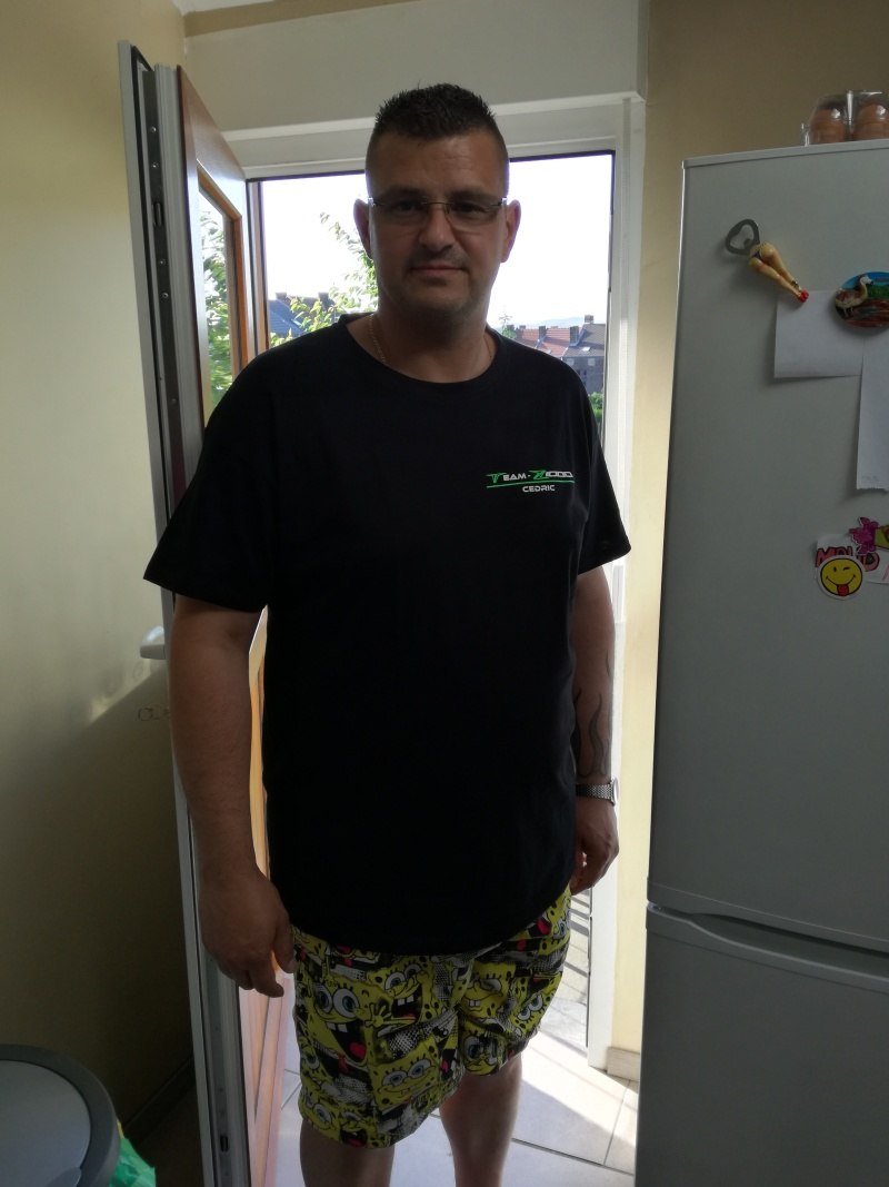 [COMMANDE PERMANENTE] T-Shirt du forum - Page 3 Img_2011