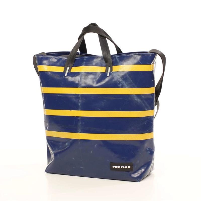 Pour quel sac/cartable/besace/gibecière avez-vous opté pour trimballer votre bazar ? - Page 4 00000110