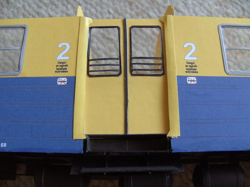 Fertig - Dreiteilige elektrische Triebeinheit - EN 57 gebaut von Holzkopf - Seite 2 Bild1852