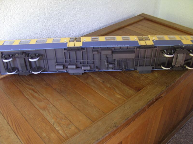Fertig - Dreiteilige elektrische Triebeinheit - EN 57 gebaut von Holzkopf - Seite 2 Bild1853