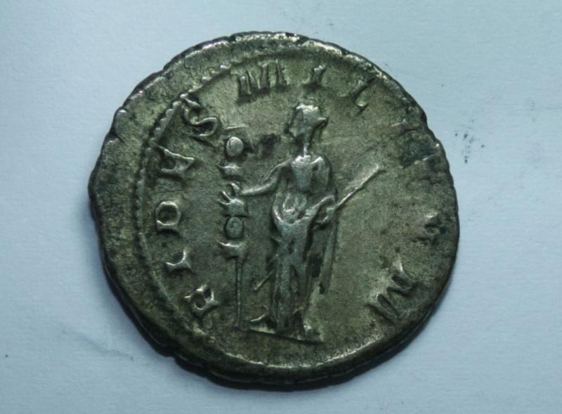 Deux pièces Romaines Untitl13