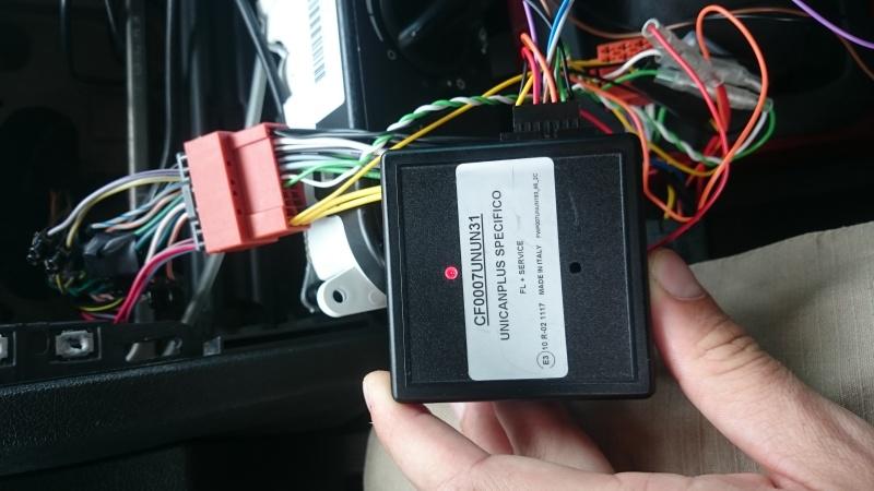 Décharge de batterie changement d'autoradio  Dsc_0412