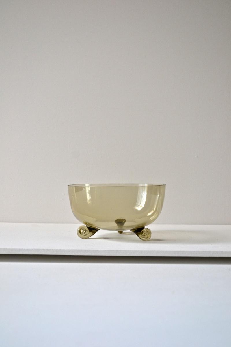 Very thin hand blown glass dessert bowls with 3 scroll feet Dsc_0211