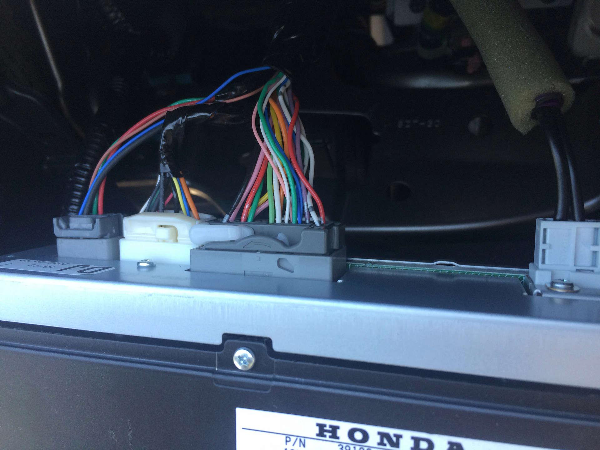 Changement Autoradio Pioneer 2 DIN Cables11