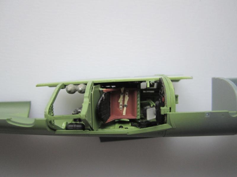Supermarine Spitfire MK IX C 1/48 Eduard Img_2162