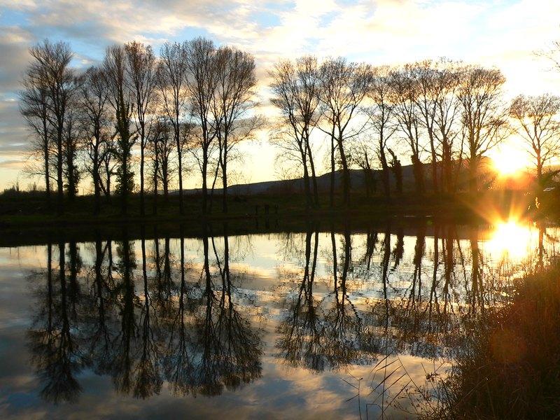 Reflets sur le lac  Lac_de10
