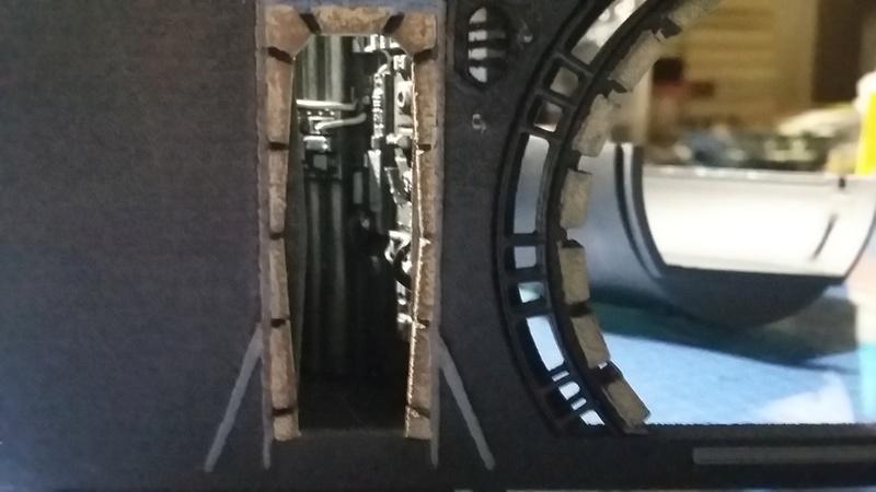 LrdSatyr's DeAgostini Millenium Falcon Diorama Build - Page 7 Erwlig10