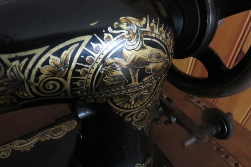 Identification de ma machine à coudre de marque Dal... Img_7411