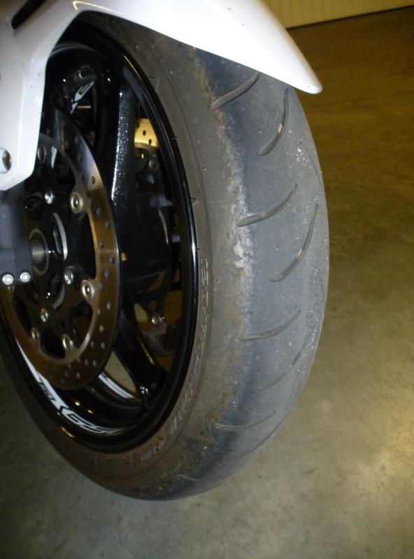 Sa glisse et moto pas stable P1120111
