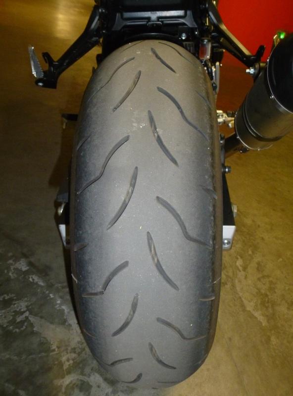 Sa glisse et moto pas stable P1120115