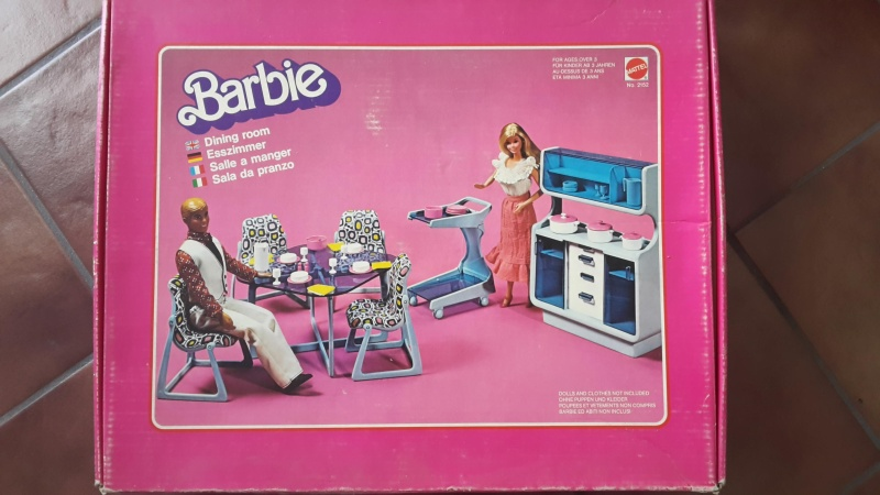 barbie camper, cucina, camera da letto, piscina, cavallo Dallas e cane Bellezza Sala-d10
