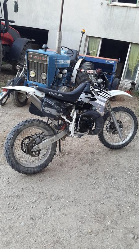 La moto de crakinos futur projet crf 20160717