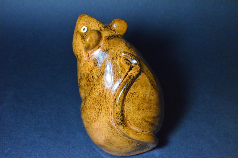 Mouse Figurine.  Unknown Stamp. Dsc_0011