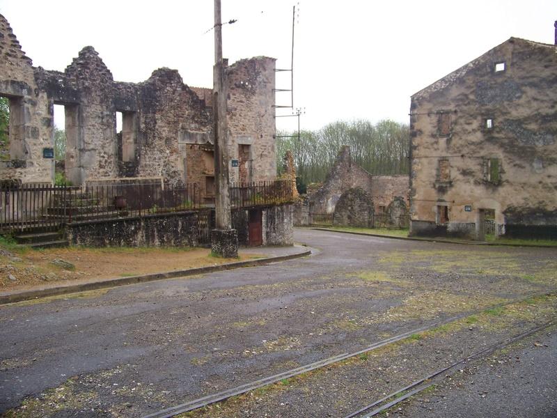 Oradour-sur-Glane : un massacre SS 2210