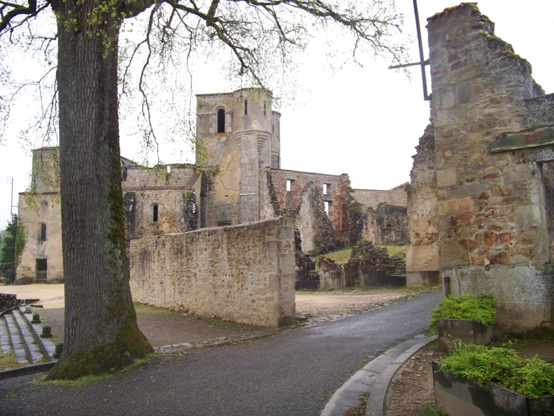 Oradour-sur-Glane : un massacre SS 2310