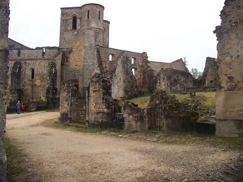 Oradour-sur-Glane : un massacre SS 2410