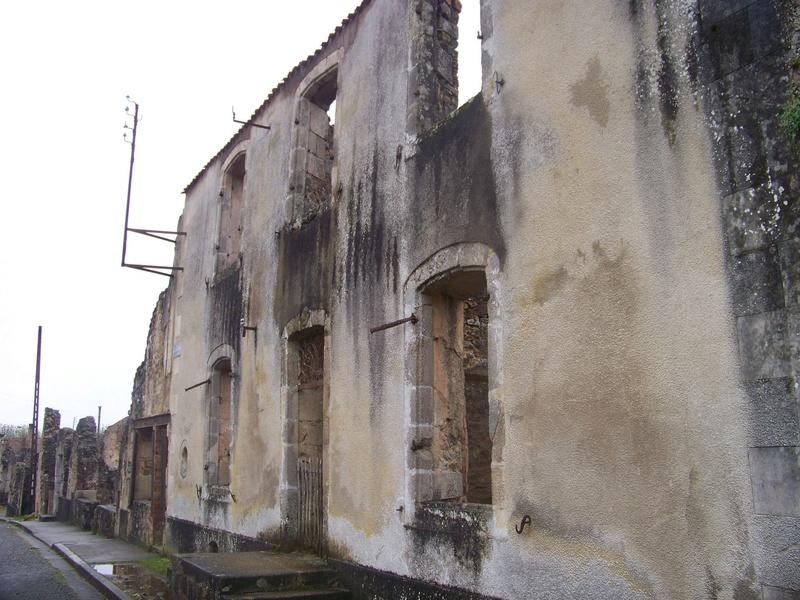 Oradour-sur-Glane : un massacre SS 910