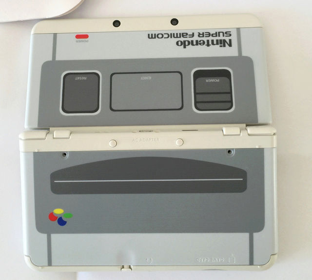 Nintendo New 3DS XL Super Famicom édition - Bientôt au Japon ! N3ds_n12