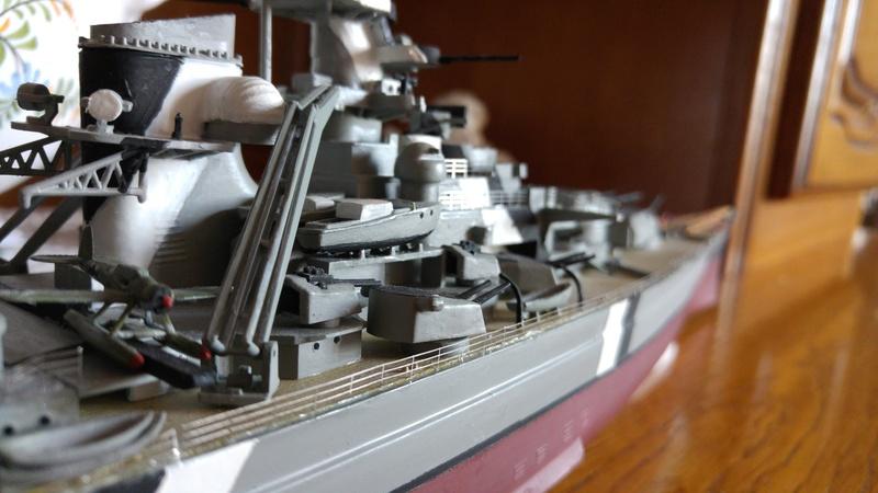 Mes maquettes le cuirasse richelieu et le cuirasse. Bismarck  au 1/400 heller 20160635