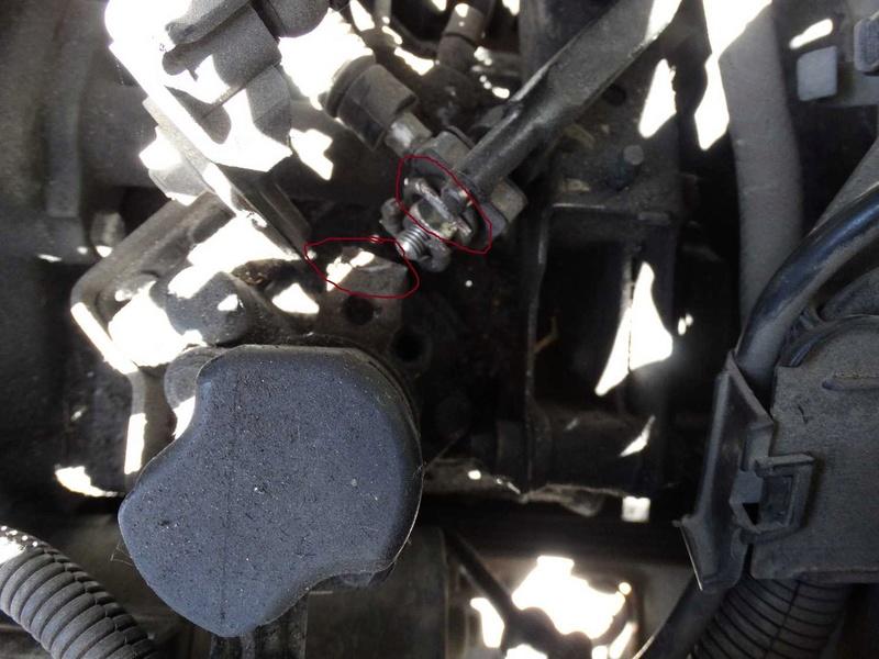[ SEAT Cordoba tdi an 1997 ] levier de commande de vitesse cassé (résolu) Dsc01010