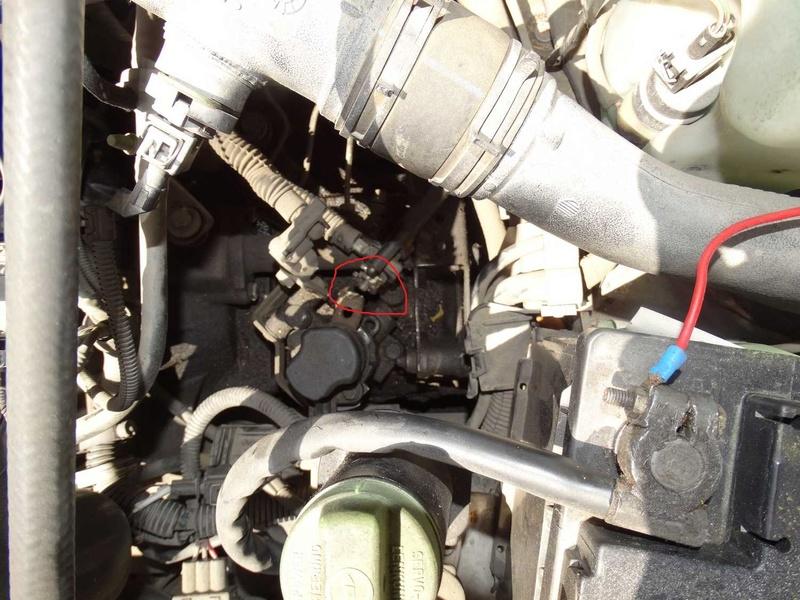 [ SEAT Cordoba tdi an 1997 ] levier de commande de vitesse cassé (résolu) Dsc01012