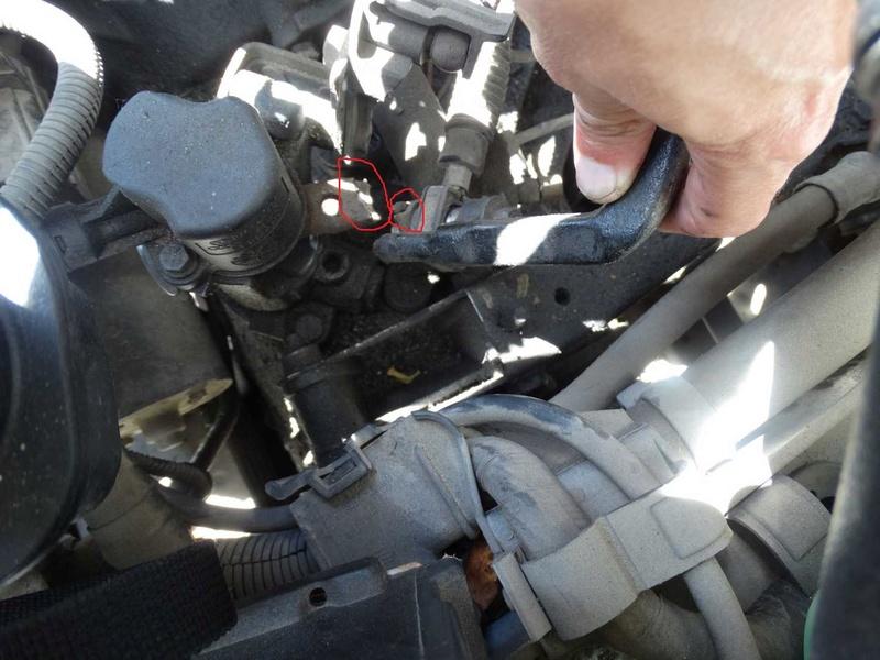 [ SEAT Cordoba tdi an 1997 ] levier de commande de vitesse cassé (résolu) Dsc01013