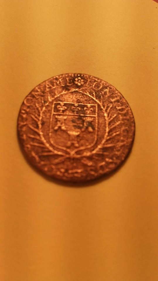 Monnaie non identifiée  Piyce210