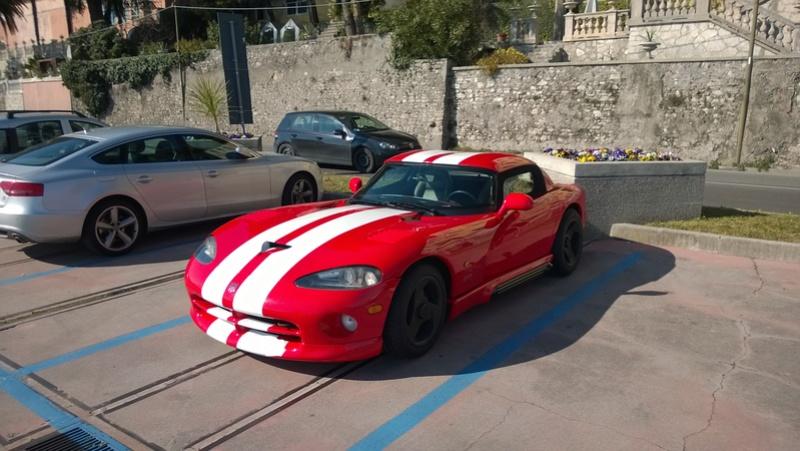 Avvistamenti auto rare non ancora d'epoca - Pagina 4 Dodge_10