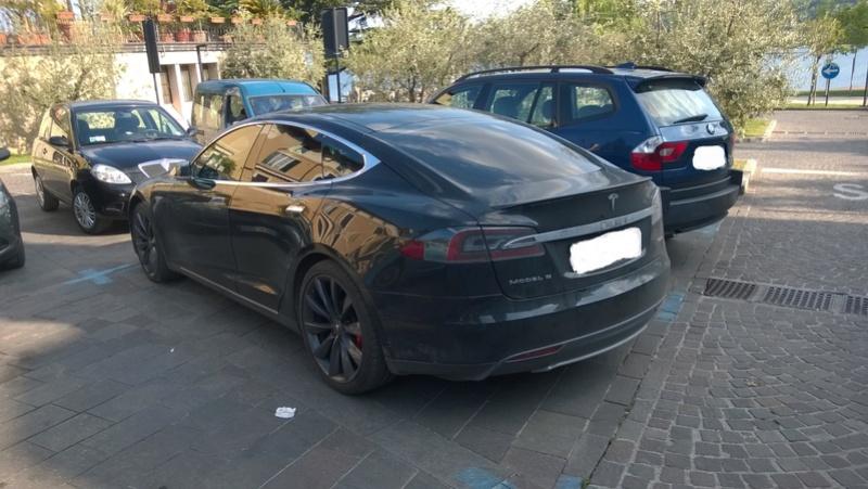 Avvistamenti auto rare non ancora d'epoca - Pagina 7 Tesla_10