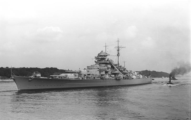 l'Agonie du Bismarck, de fleuron Nazi à mythe naufragé. Bundes10