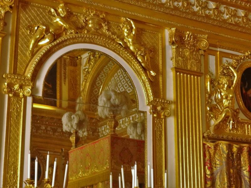 chambre - La chambre officielle du Roi  Dsc03711