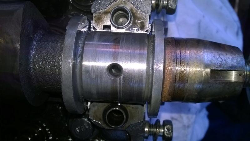 [Résolu] Plus d'huile au niveau du haut moteur !!! Wp_20110