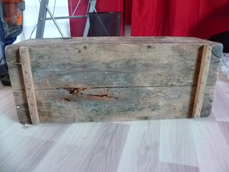 Rénover caisse munition bois Allemande P1030815