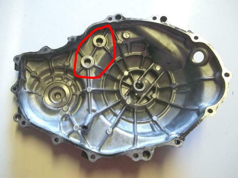 Vis cassé dans le carter moteur CBR 1000 RR 2014 SC59 - Page 2 Captu193