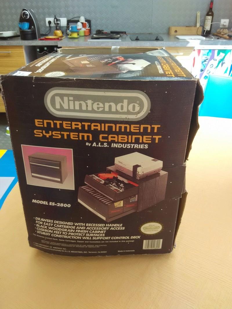 Boite vide meuble Nintendo nes cabinet Img_2022