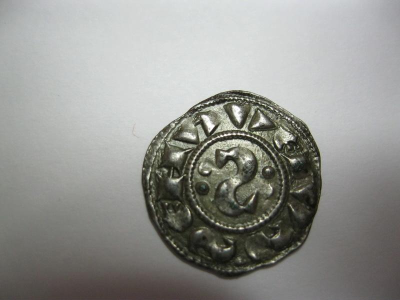"""Denier à l""""S"""" rétrograde de la République de Sienne (1180-1390) Img_1213"""