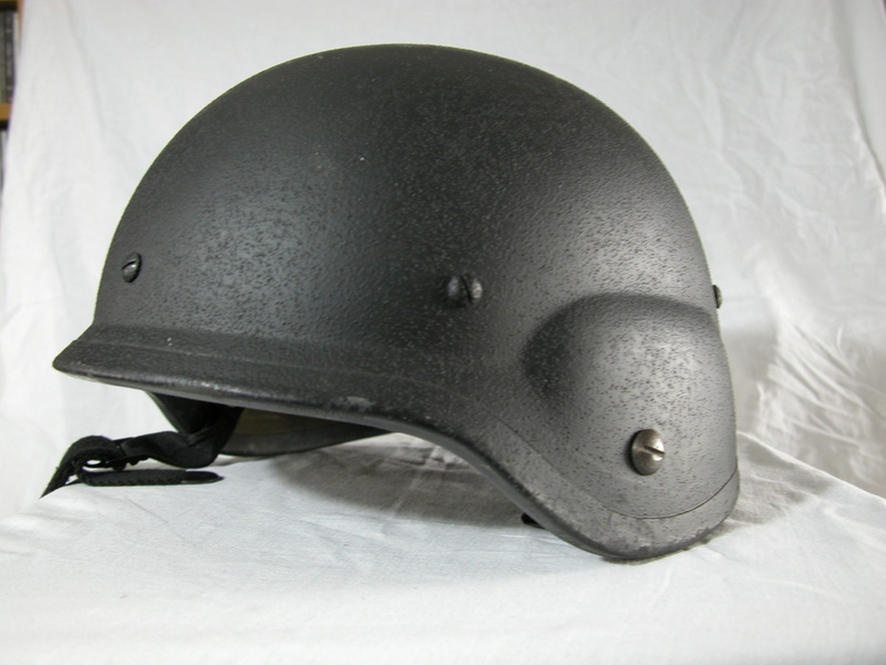 Unidentified helmet, possible South Korean. Help wanted! 1_110