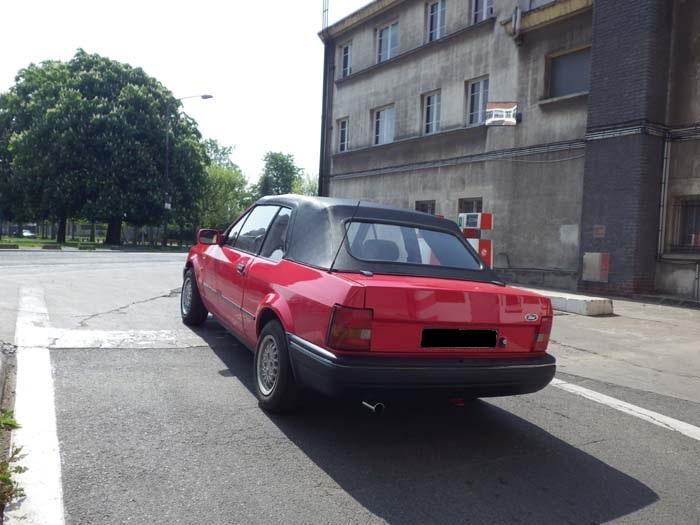 Escort MK4 Ghia Cab'  1010