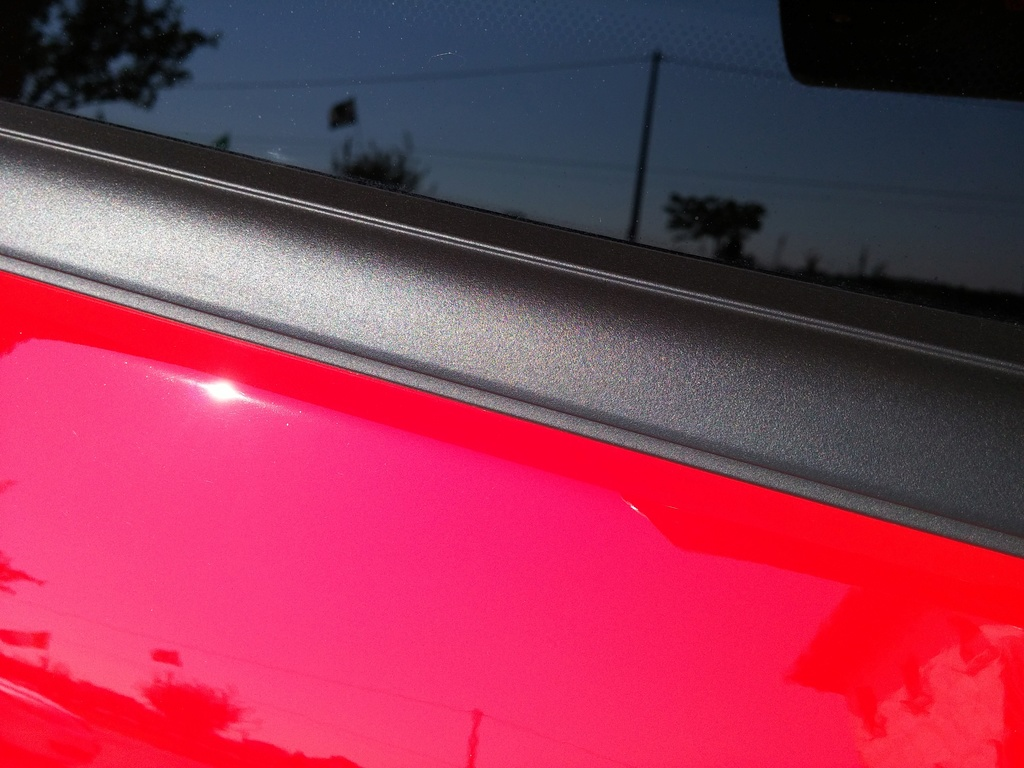 Aiuto con plastiche/gomma ford Fiesta (contorno finestrini laterali) 20160811