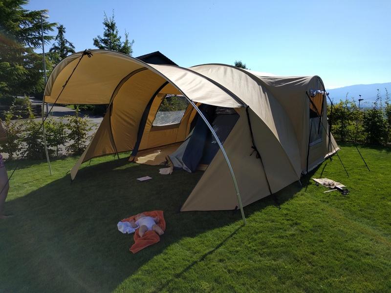 Tente pour famille de 4 personnes Img_2011