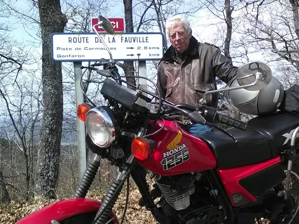 VAR - Petit bonjour du Vieux... - DOMINIQUE Img_2049