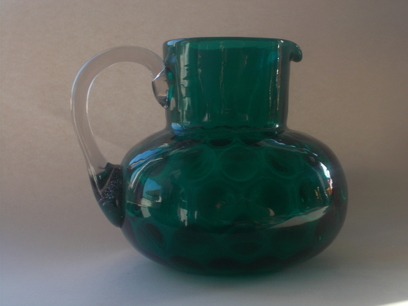 Green jug with olives/coin pattern Greenj13