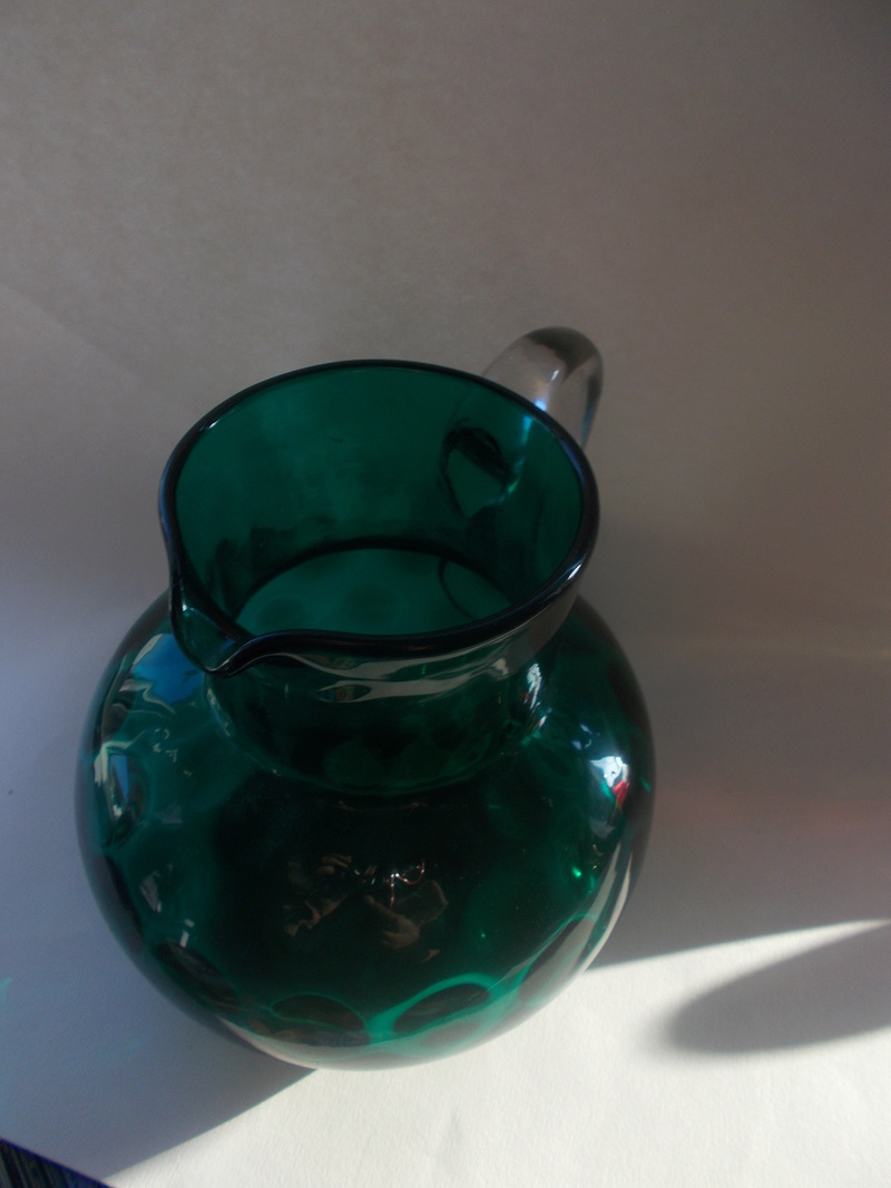 Green jug with olives/coin pattern Greenj14