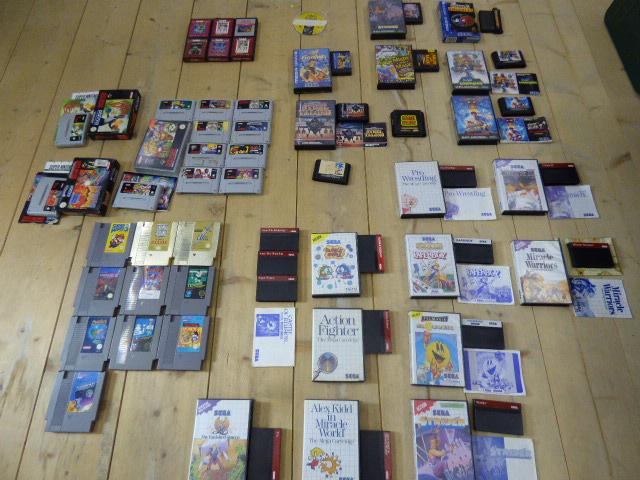 [ESTIM] lot retro - 8 consoles - 51 jeux P1000911